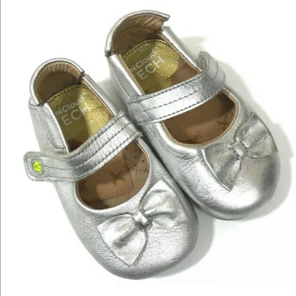 a594b6672f553 Umi Mary Jane Baby Shoes Silver Leather Size 5.5 M